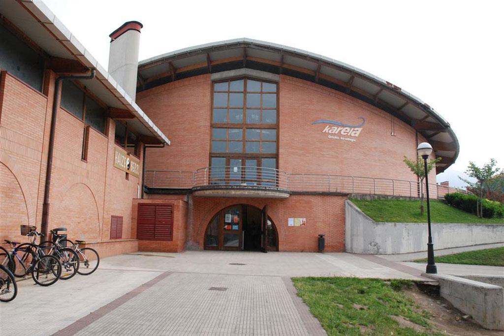 Polideportivo Karela